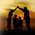 La mediazione familiare si configura come un intervento professionale caratterizzato da un atteggiamento neutrale del mediatore, favorisce la risoluzione delle dinamiche conflittuali della coppia e della famiglia nelle fasi che […]